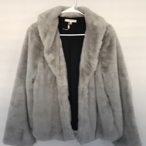 Gray/silver fauxfur short jacket